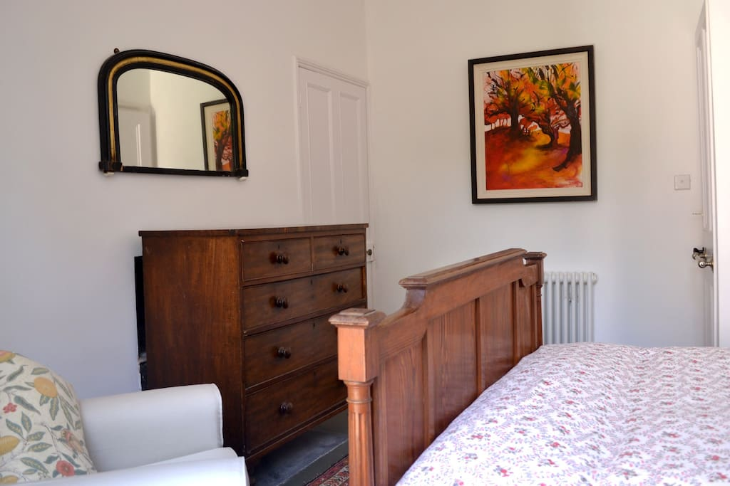 Double bedroom at rear of property.