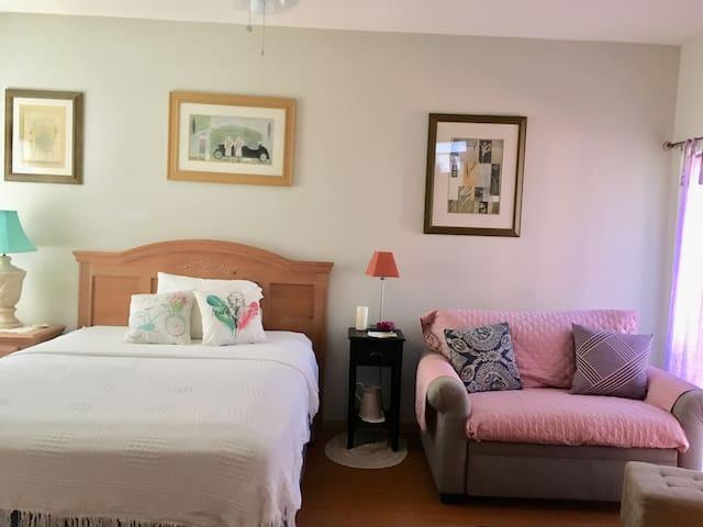 Bedroom/Sitting Area Hardwood Floors