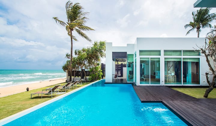 4 Bed Beach Front Pool Villa