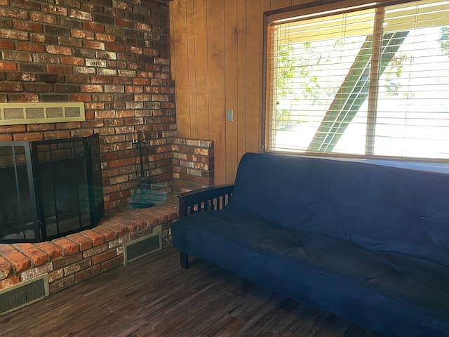 Blue Bear Lodge Cabin 5- Mountain Lodge Experience