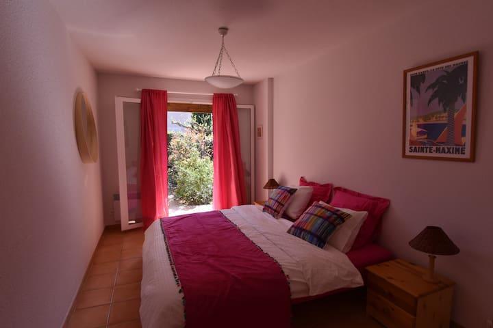 chambre lit double (2x90)