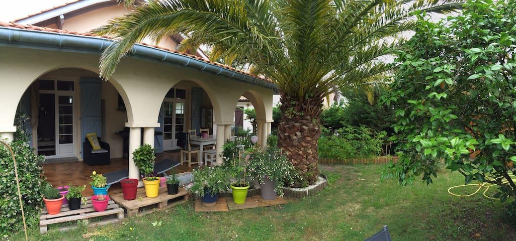 Agréable maison dans quartier calme - Anglet - Huis