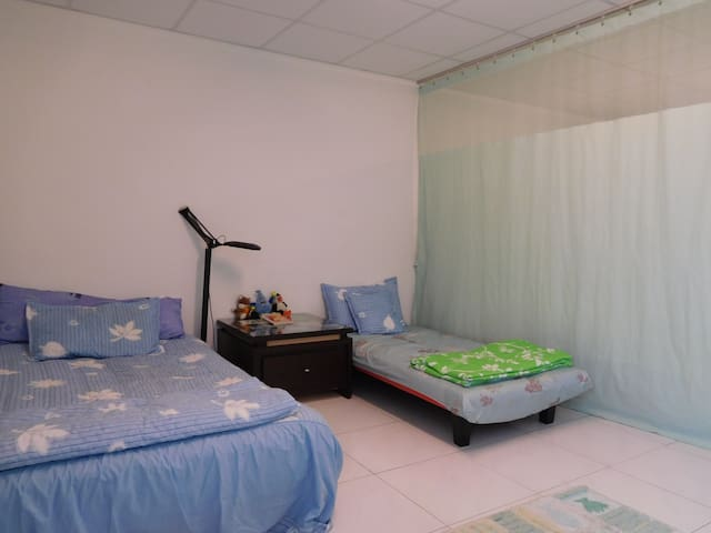 Lovely Family style two beds room - Guantian District - Bed & Breakfast