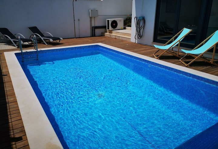 Villa avec piscine chauffée (de juin à septembre)