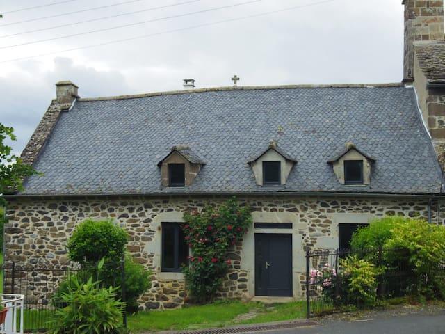 Maison traditionnelle 5 chambres avec terrain
