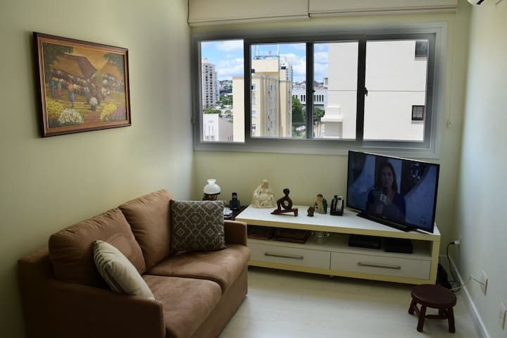 Lindo 2 dormitórios para estudos, negócios e lazer