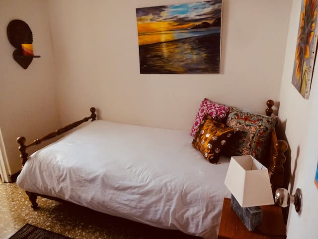 Comfty, private & breakfast included room