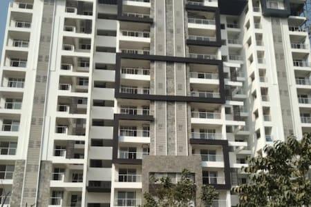 Lovedale 2bhk condominium on 11th Floor w Sky View