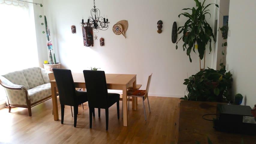 Großzügige Familienwohnung nähe Prenzlauer Berg - Berlin - Apartment