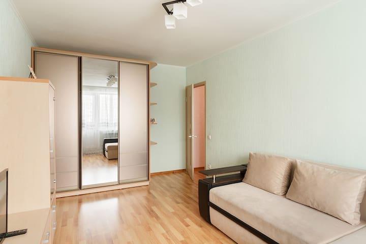 2-комнатная квартира рядом с метро Студенческая