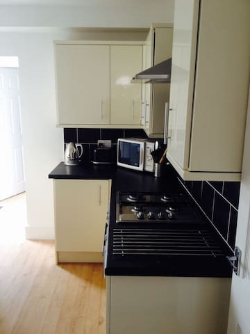 Great central location Refurbished New - Portsmouth
