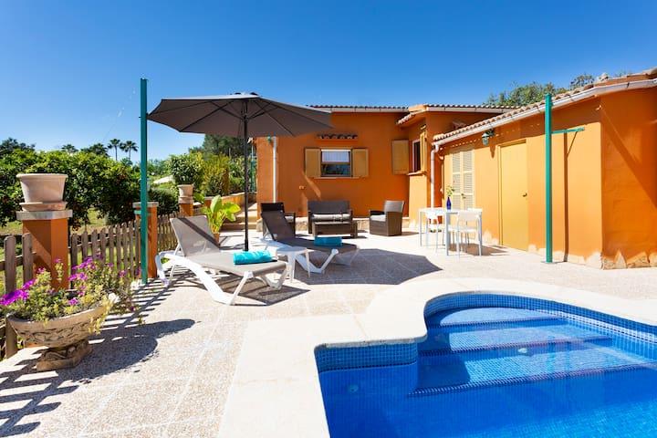 Con piscina e circondata dalla natura - Casa Caseta