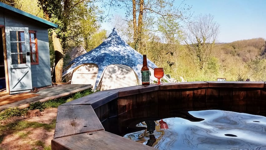 Lotus Belle luxury tents with hot tub