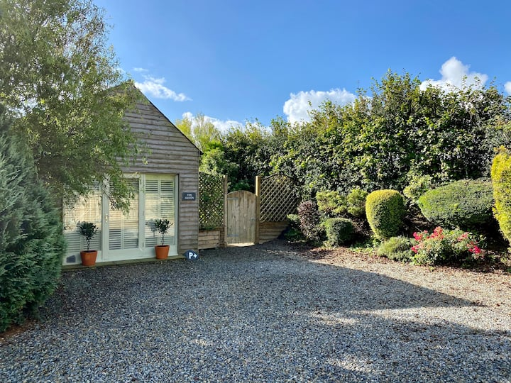 Pembrokeshire Holiday Cabin with Woodland Walk