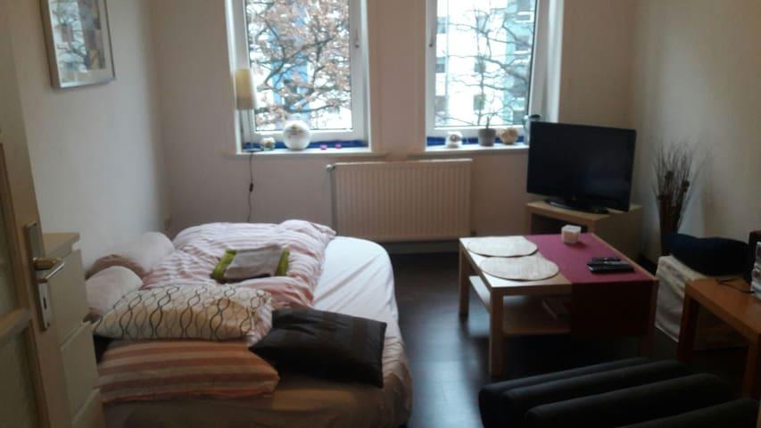 2-Zimmerwohnung für  Messen o.Ä. zu vermieten - Hannover - Departamento