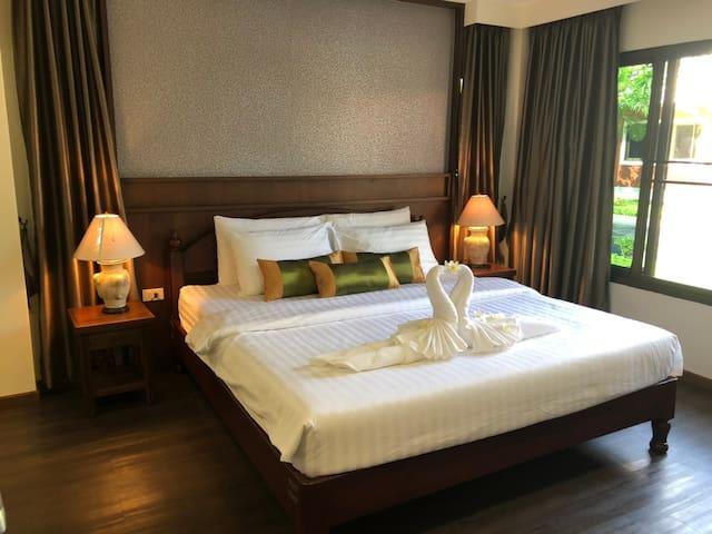 Tong House Resort (彤好花园别墅酒店)