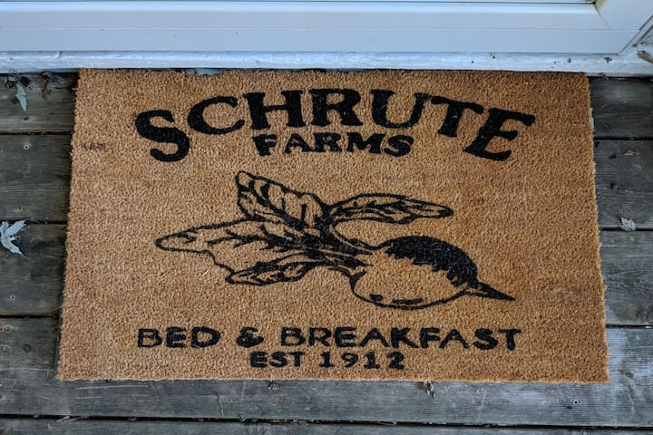 Schrute Farms! Dundee, walkable, 5-10 mins. to all