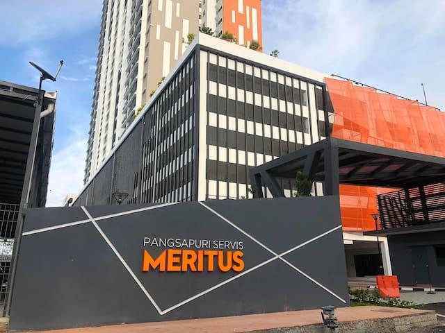 Zidni Meritus Guest House (Muslim Only)
