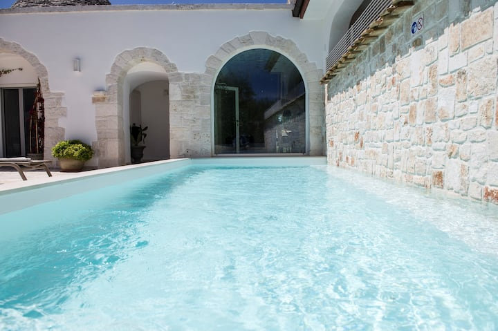 Trulli Pietraviva with Pool