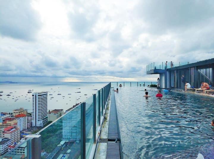 OTL泰国芭提雅Thebase公寓稀缺两居海边沙滩各种美食玩乐尽在身边适合一家人和朋友出游的不错选择