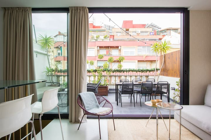 Explore Sant Antoni from a Modern Penthouse