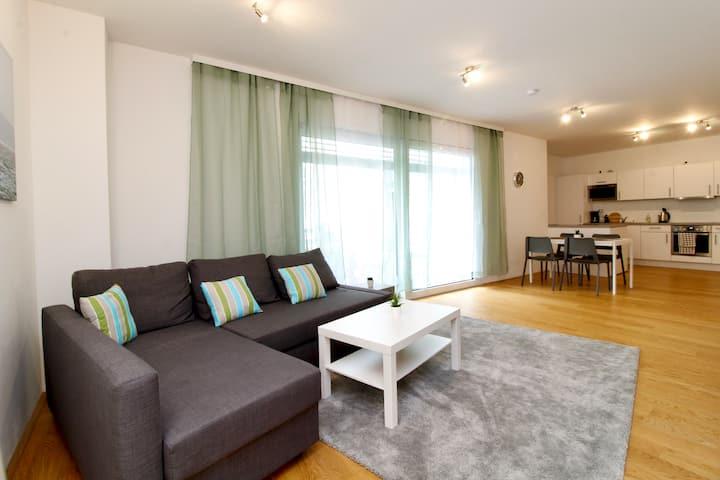 Modern Klosterneuburg Terrace Apt
