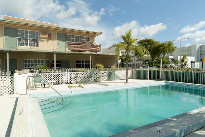 Palms # 15 - 100 yards from the beach