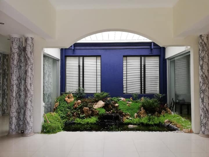 Perth Luxury private room-indoor garden view- pool