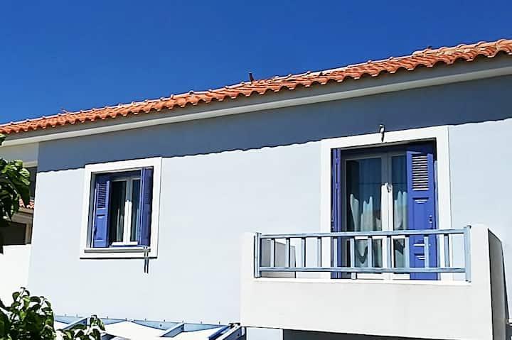 Wonderful Seaside House with spacious balcony