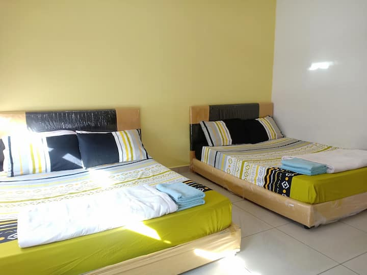Homestay Bajet (E)- 3 bedroom (10 pax)