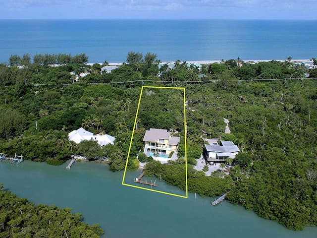 Manatee Cove.  5 Bedroom. Private Dock.