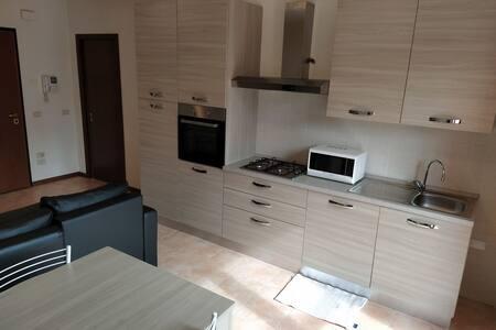 Appartamento in zona tranquilla 3 km da Montebello