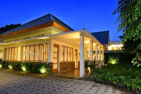 Tinggal Premium Dr. Wahidin Sudirohusodo - Banyuwangi - 家庭式旅館