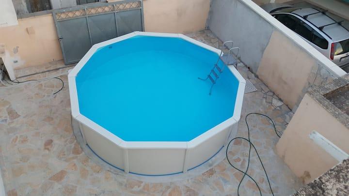 Grande maison familiale avec piscine dans Salento