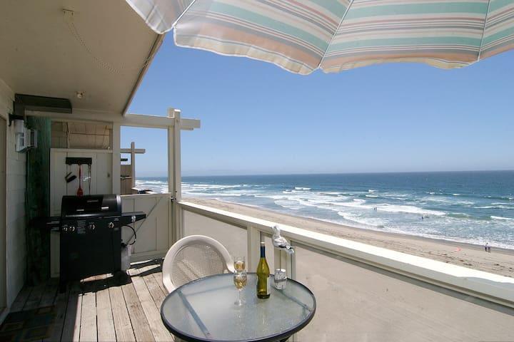 Beach house ON SEMI PRIVATE BEACH - La Selva Beach