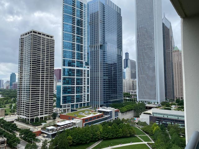 Large Balcony with Amazing View of Chicago!