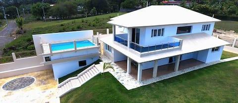 Beautifull premium villa 6 bedrooms in Sosua