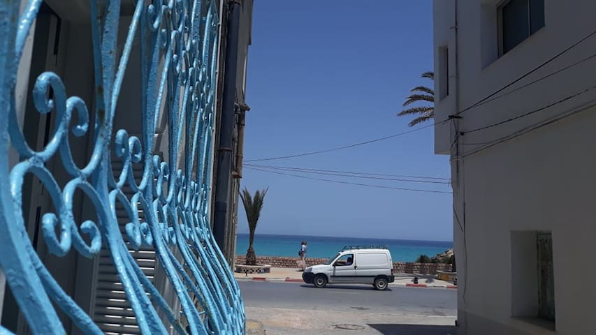 Studio climatisé Pied dans l'eau de Mahdia TUNISIE