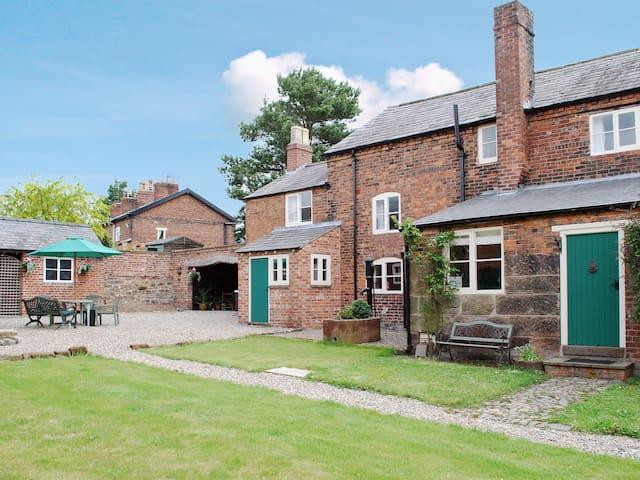 Smithy Farm (28703)