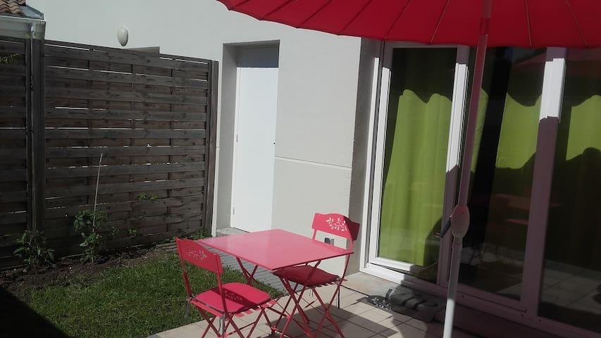 Chambre privée dans résidence calme - Libourne