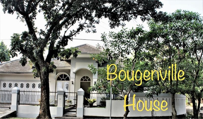 ***Bougenville House BSD City***Nice Landscape