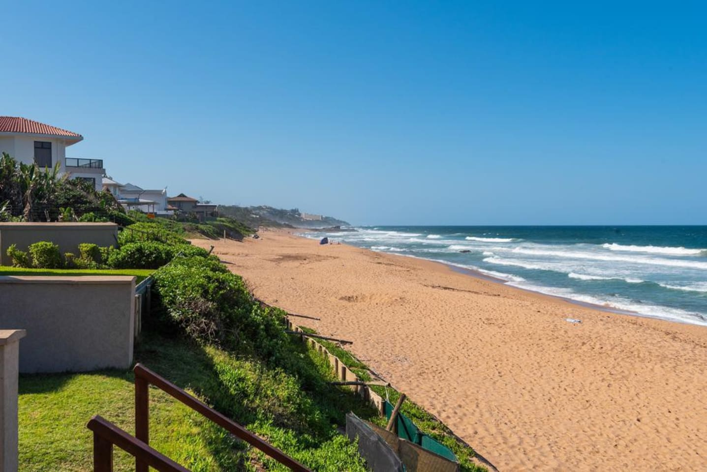 Complex is situated directly on the beach between Salt Rock and  Shaka's Rock Tidal Pool