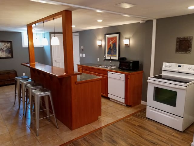 Spacious suite convenient to town and campus