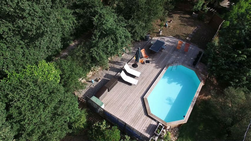 Belle chambre indépendante piscine - La Bouilladisse - Huis