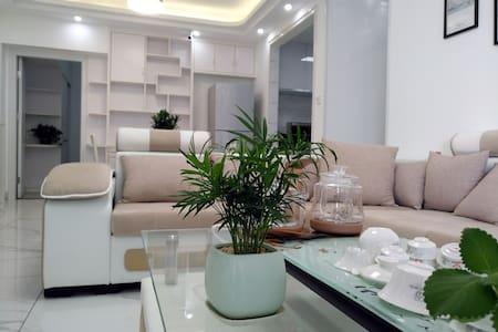 【阳光100】现代时尚 智能简约  新房精装 空中花园  楼下商场  市中心  长租特惠