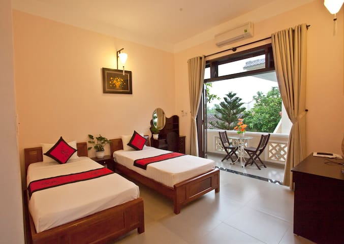 garden view twin room with breakfast- Ngan Phu - Hội An