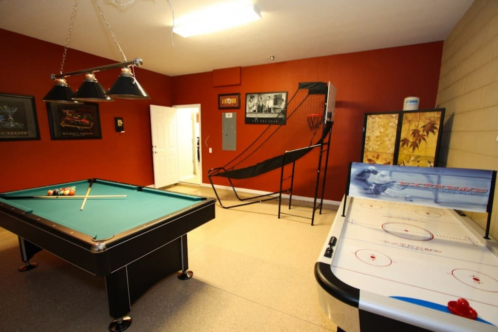 Always Something To Do! Well Equipped Game Room!