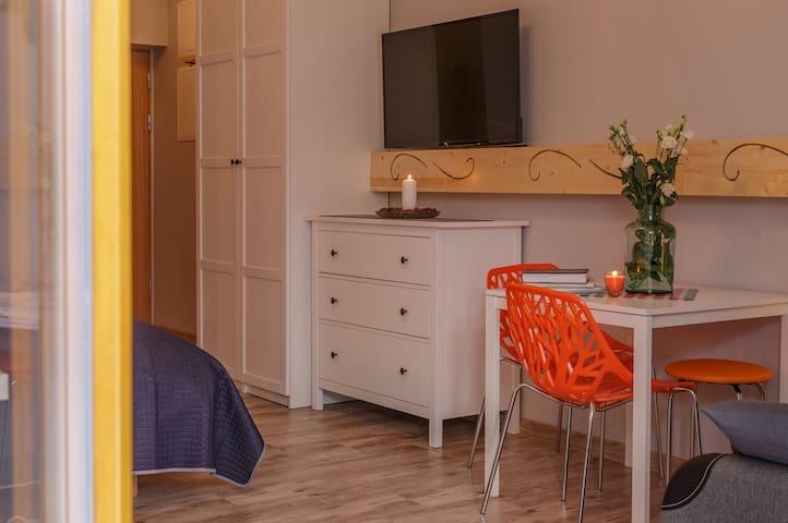 Aparthotel Giewont Zakopane Apartament 002 - Zakopane - Lejlighed