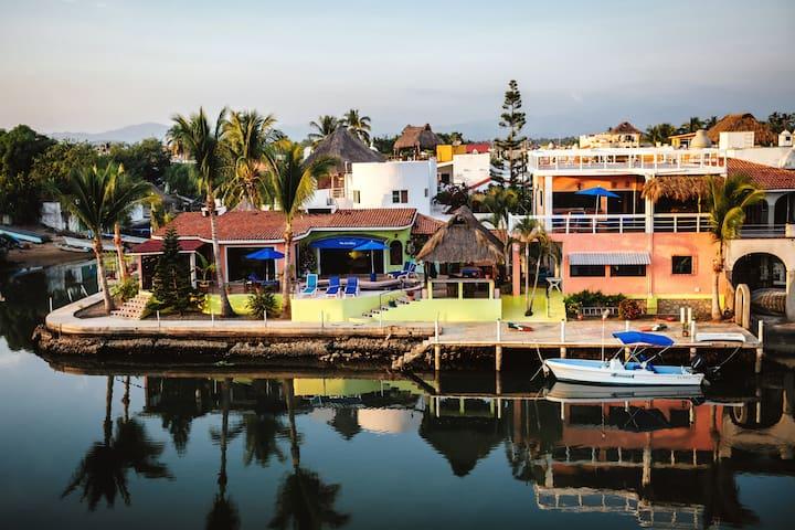 Waterfront Penthouse Suite Barra De Navidad - Barra de Navidad - Villa