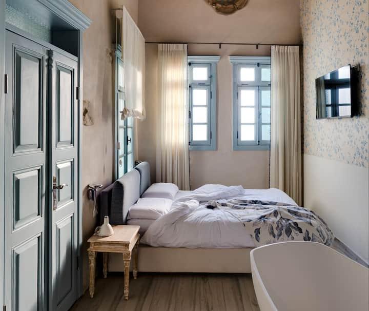 וילה סרא(4)- חדר לופט במלון בוטיק בעיצוב עתיק